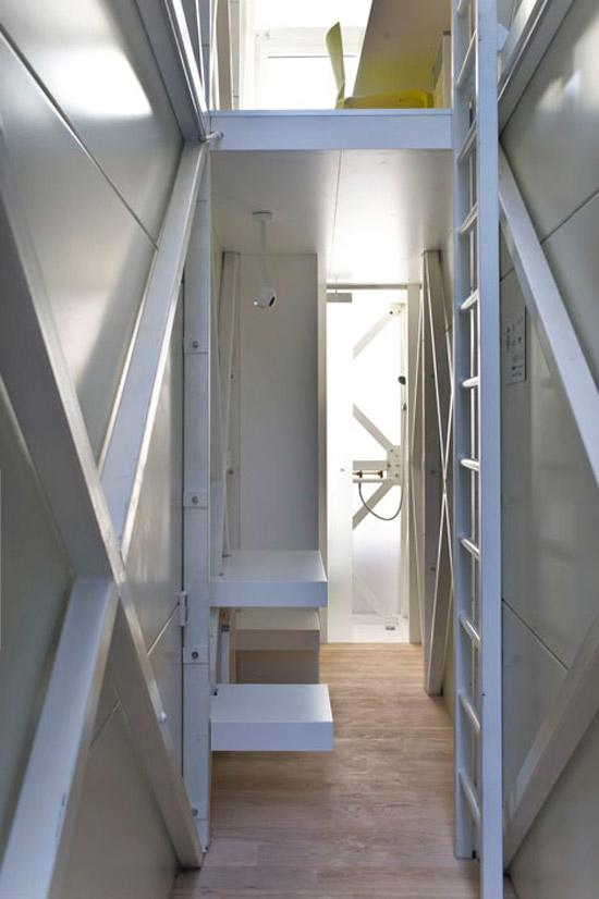 smallest house in the world inside keret house filling up the gaps sias blog - Smallest House In The World 2012 Inside