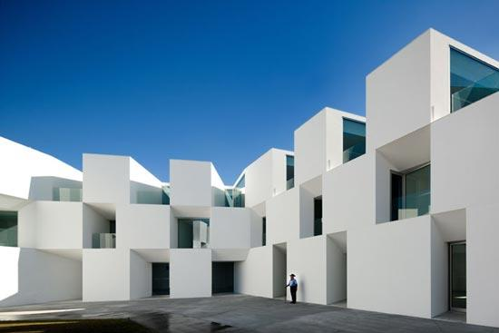ALCACER-DO-SAL-FORM-by-Aires-Mateus-architects-photo-Fernando-and-Sergio-Guerra-07