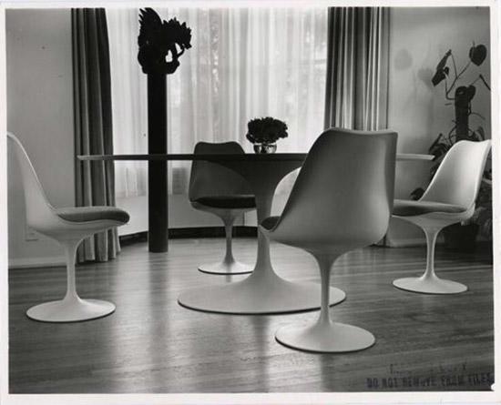 Pedestal-dinette-set-Eero-Saarinen