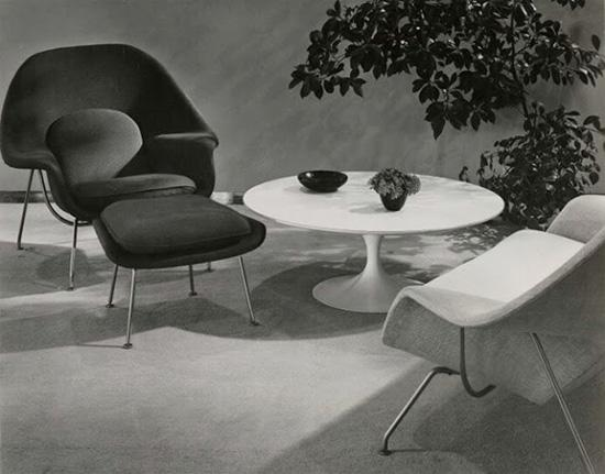 Womb-chairs-and-ottomans