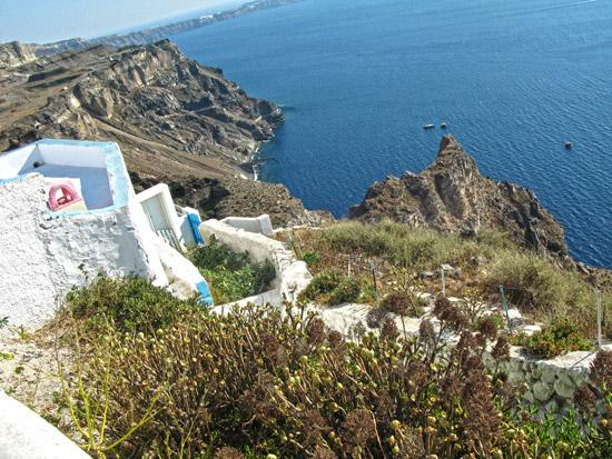 settlements-on-caldera-Fyra-Santorini-05