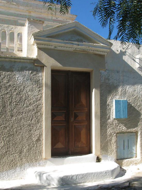Emporio_traditional_settlement_Santorini_01