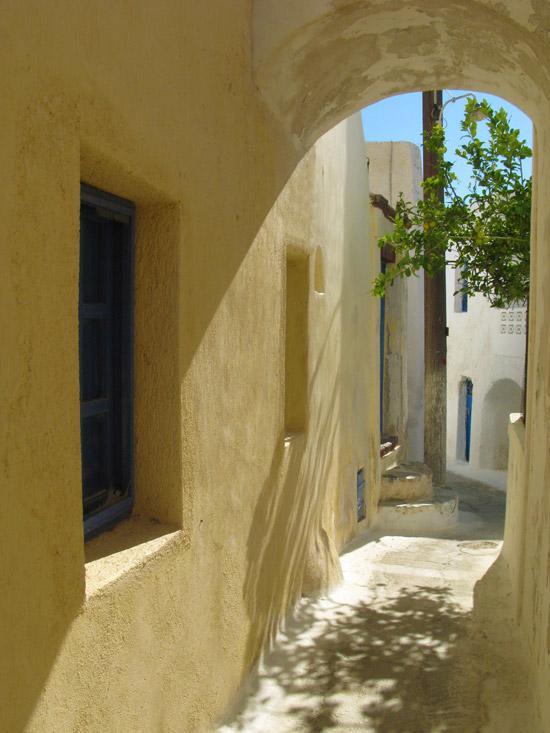 Emporio_traditional_settlement_Santorini_03