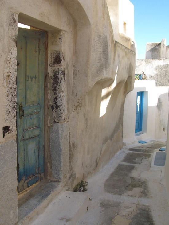 Emporio_traditional_settlement_Santorini_05