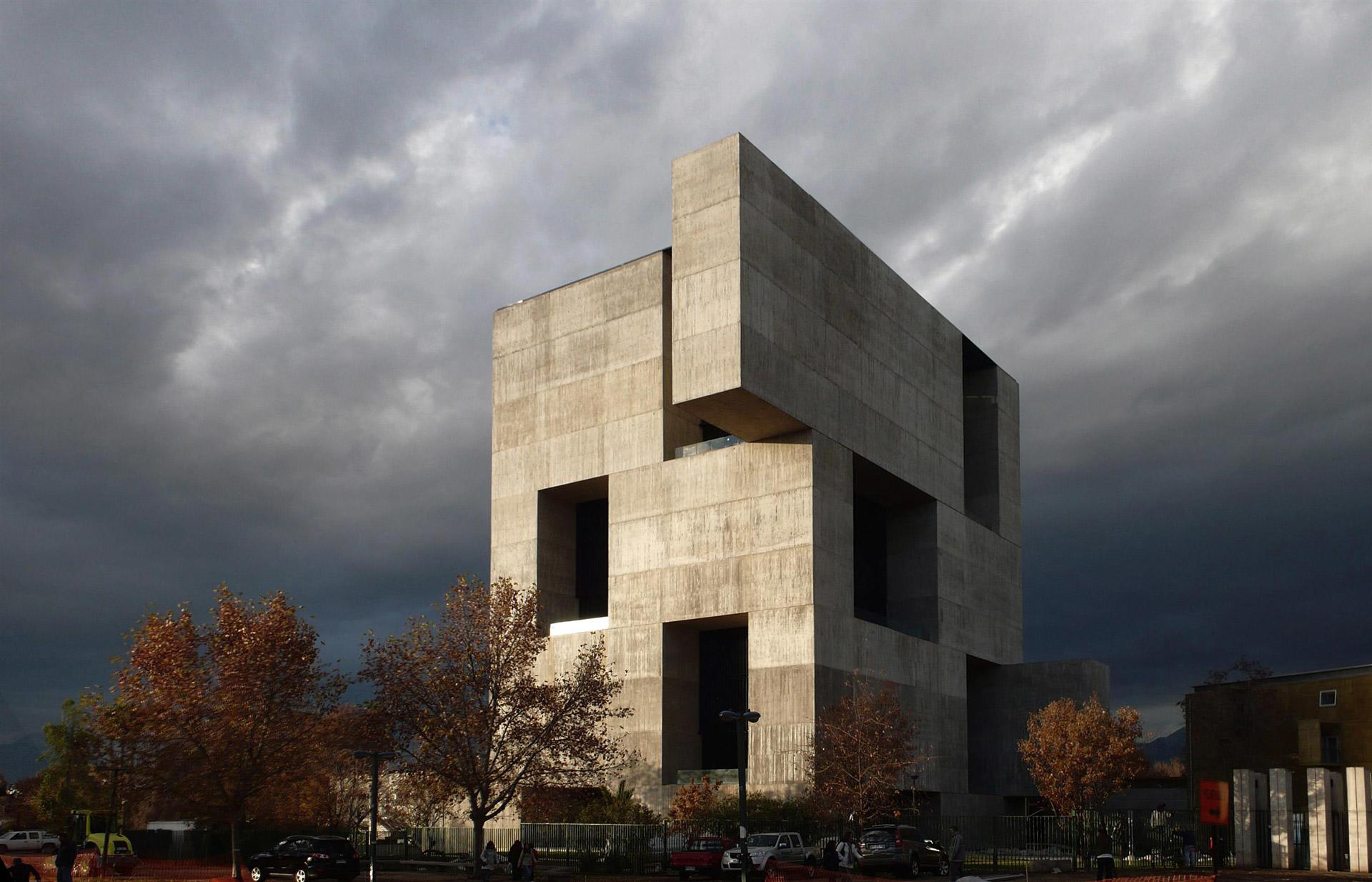 Alejandro-Aravena-Innovation-Center-02_0