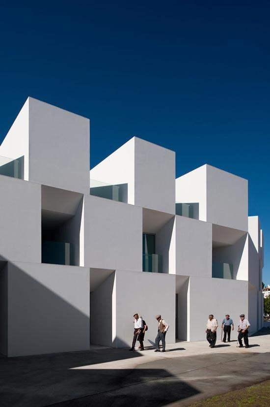 ALCACER-DO-SAL-FORM-by-Aires-Mateus-architects-photo-Fernando-and-Sergio-Guerra-8