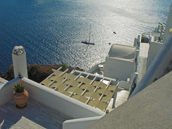 settlements-on-caldera-Fyra-Santorini-04