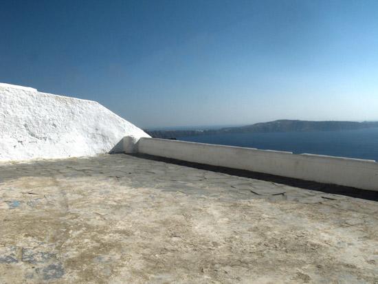 settlements-on-caldera-Fyra-Santorini-09