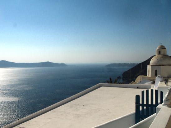 settlements-on-caldera-Fyra-Santorini-10