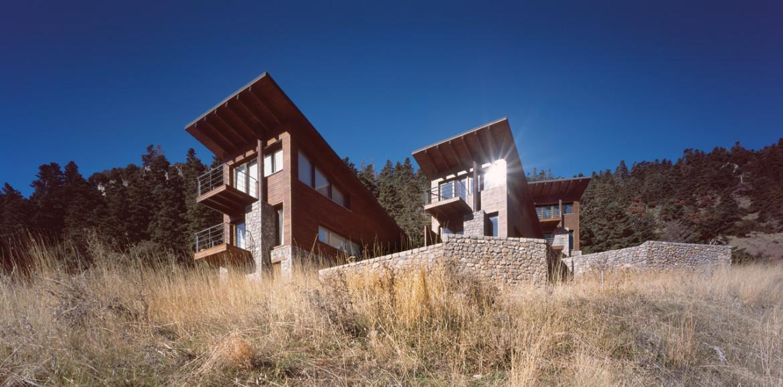 Five-houses-at-Parnassus-Mountain-Roula-Kotsilati-1-photo-erieta-attali
