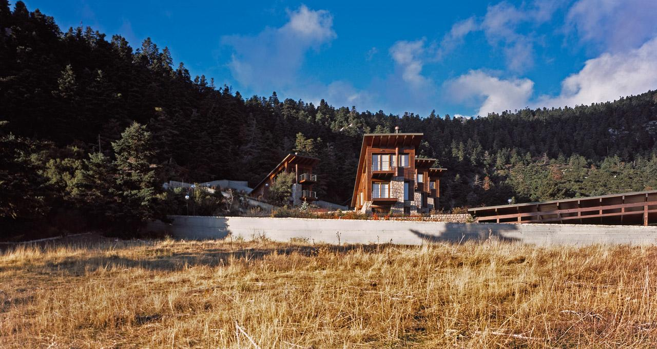Five-houses-at-Parnassus-Mountain-Roula-Kotsilati-2-photo-erieta-attali