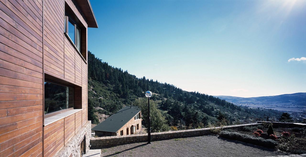 Five-houses-at-Parnassus-Mountain-Roula-Kotsilati-8-photo-erieta-attali
