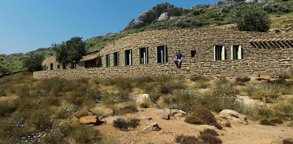 xerolithia-summer-house-by-sinas-architects-09