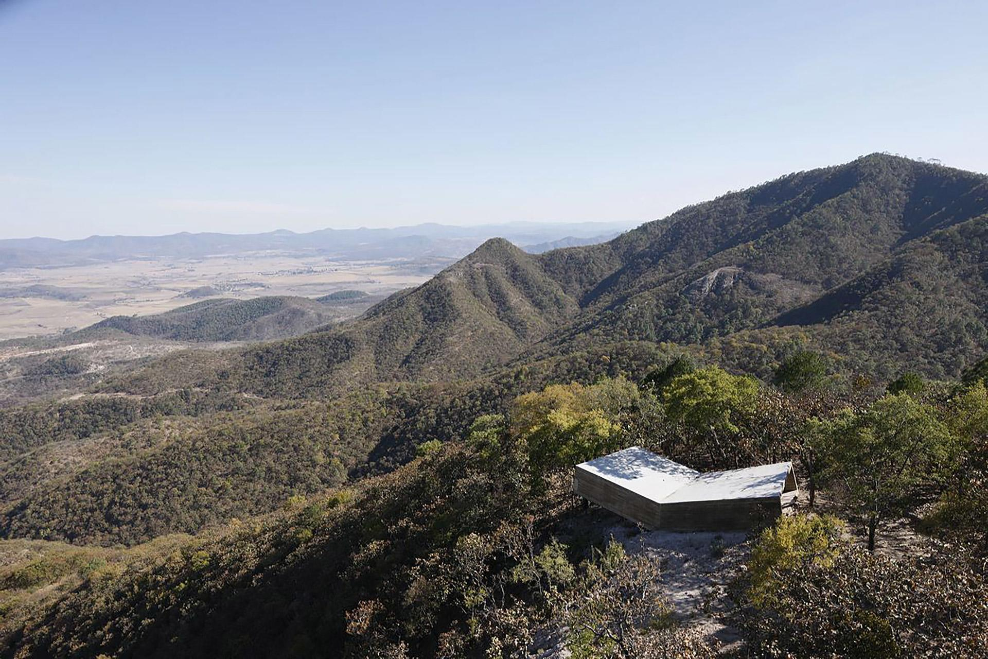 Alejandro-Aravena-Las-Cruces-Pilgrim-Lookout-Point-01