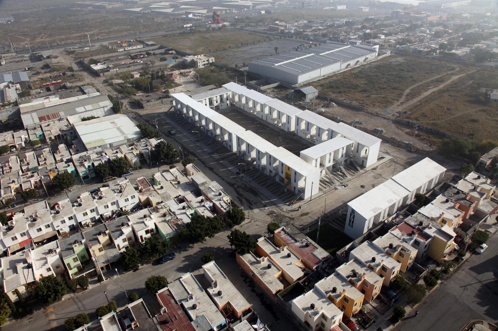 Alejandro-Aravena-Monterrey-Housing-01